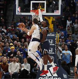NBA》九人得分上雙 獨行俠送金塊首敗