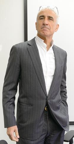 歸化我國國籍 谷月涵成為正港的台灣先生