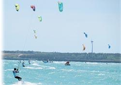 11國風箏浪板高手 澎湖競技