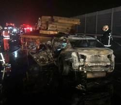 國3小車撞大車起火 駕駛受困被燒死