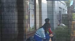 爽!不顧女學生在旁 男候車亭抽菸遭重罰