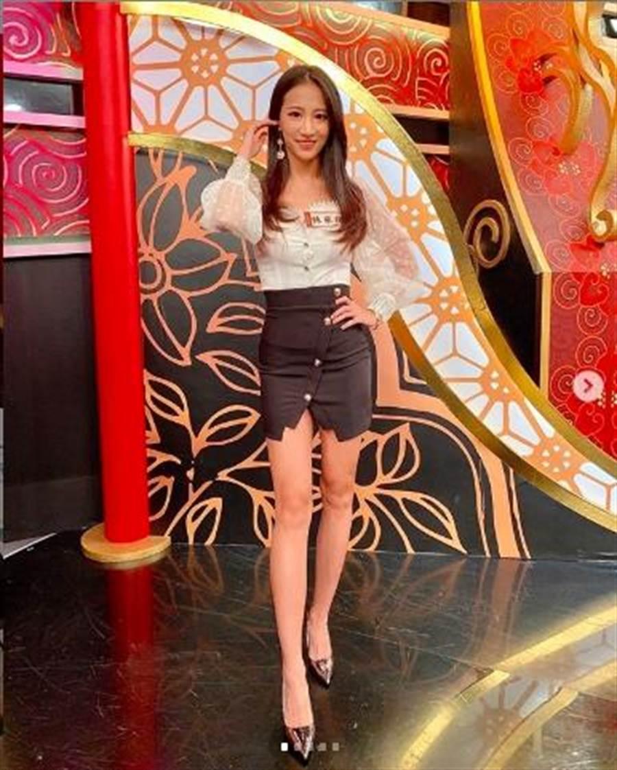 31日林采緹參加中天《麻辣天后傳》的錄影,她在節目中透露和老公胡睿兒的感情關係,坦言這段感情受傷很重。(摘自林采緹IG)