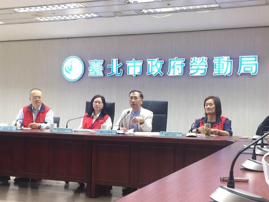 勞動局今上午召開記者會,宣布將制定外送平台業者管理自治條例。(游念育攝)