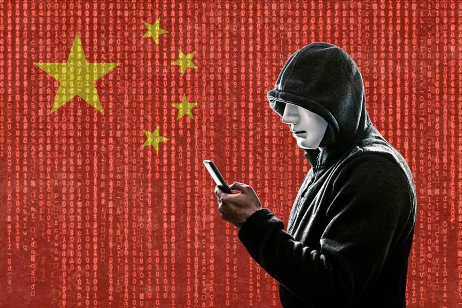 美國網路安全公司火眼指出,陸資助的駭客團體APT41通過在海外通訊供應商伺服器中植入惡意軟體,竊取外國手機用戶發送的簡訊和通話記錄,只要有特定關鍵字就會被竊取。(示意圖/達志影像)。