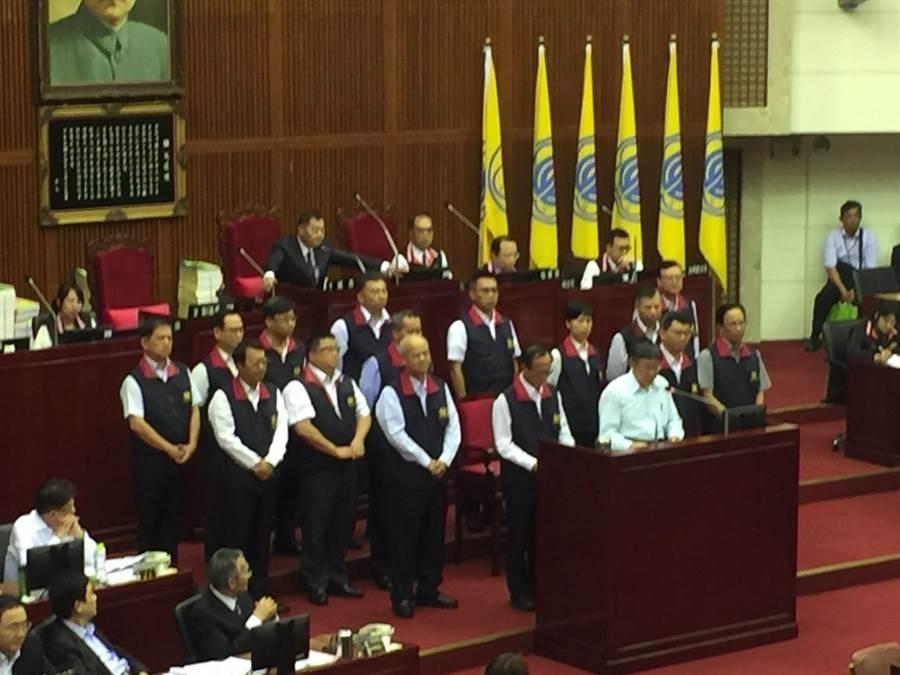 台北市長柯文哲1日赴北市議會接受市政總質詢。(張立勳攝)
