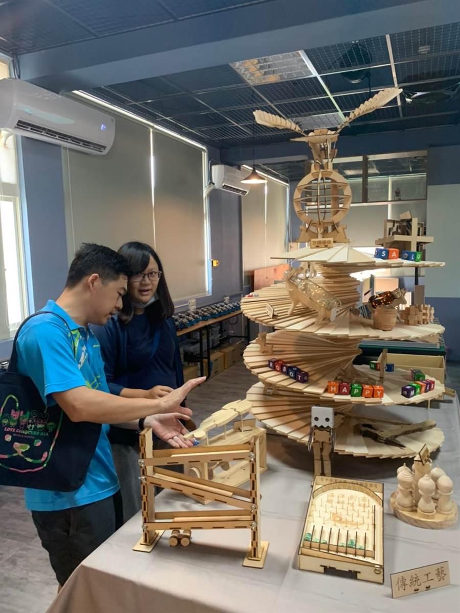 沙鹿自造教育及科技中心揭牌。(台中市政府教育局提供/陳世宗台中傳真)