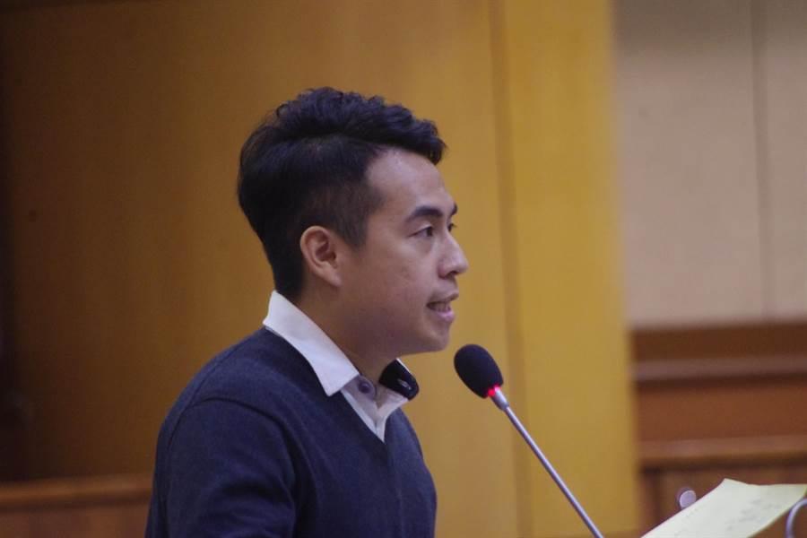 議員林閔勳說,議員辦理會勘就是民眾關心的事情,希望單位相關重視,勿放鴿子。(許家寧攝)