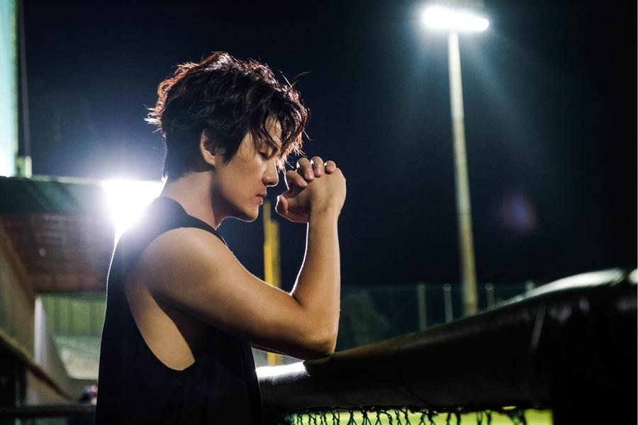 吳克群 「你說我聽著呢」社會影音小說,首發單曲〈後勁〉深度訪談感動惹哭粉絲。(何樂音樂提供)