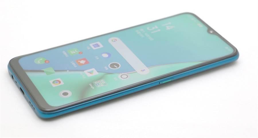 OPPO A9 2020手機右側。(黃慧雯攝)