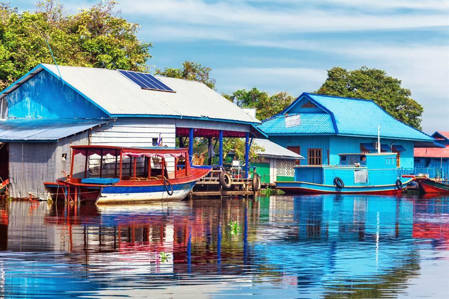 東南亞最大的淡水湖「洞里薩湖」