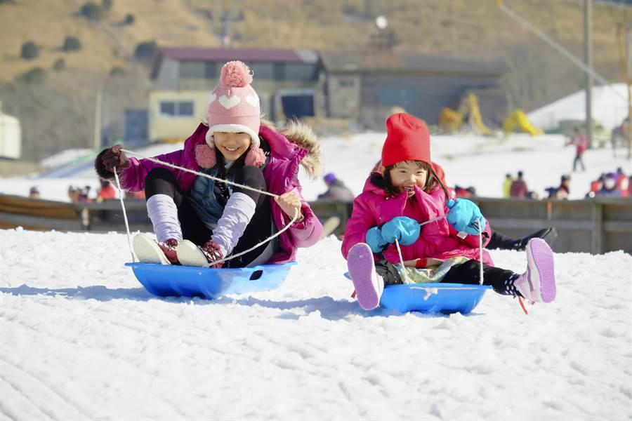 大人小孩都愛的「牧歌之里雪樂園」/盈達旅遊提供