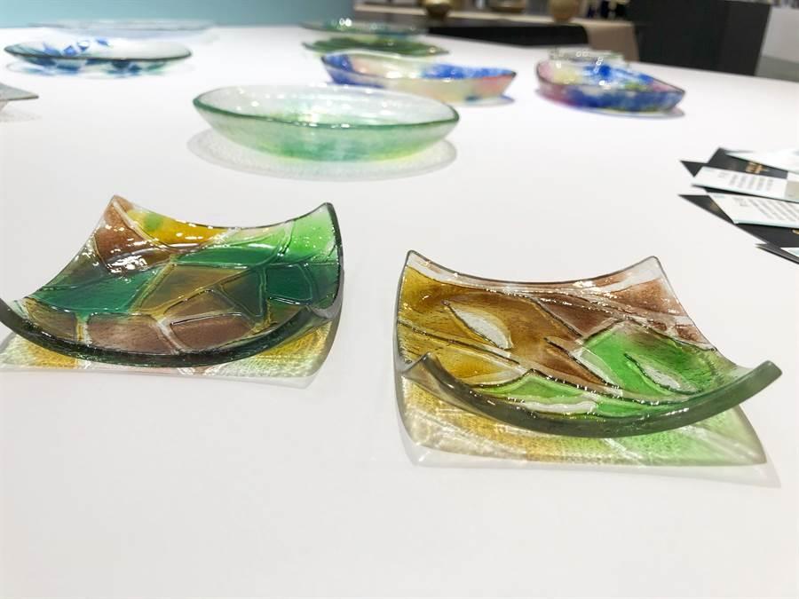 首次參展的長榮大學於現場展示小部分大四學生的琉璃作品。(王雅芬攝)