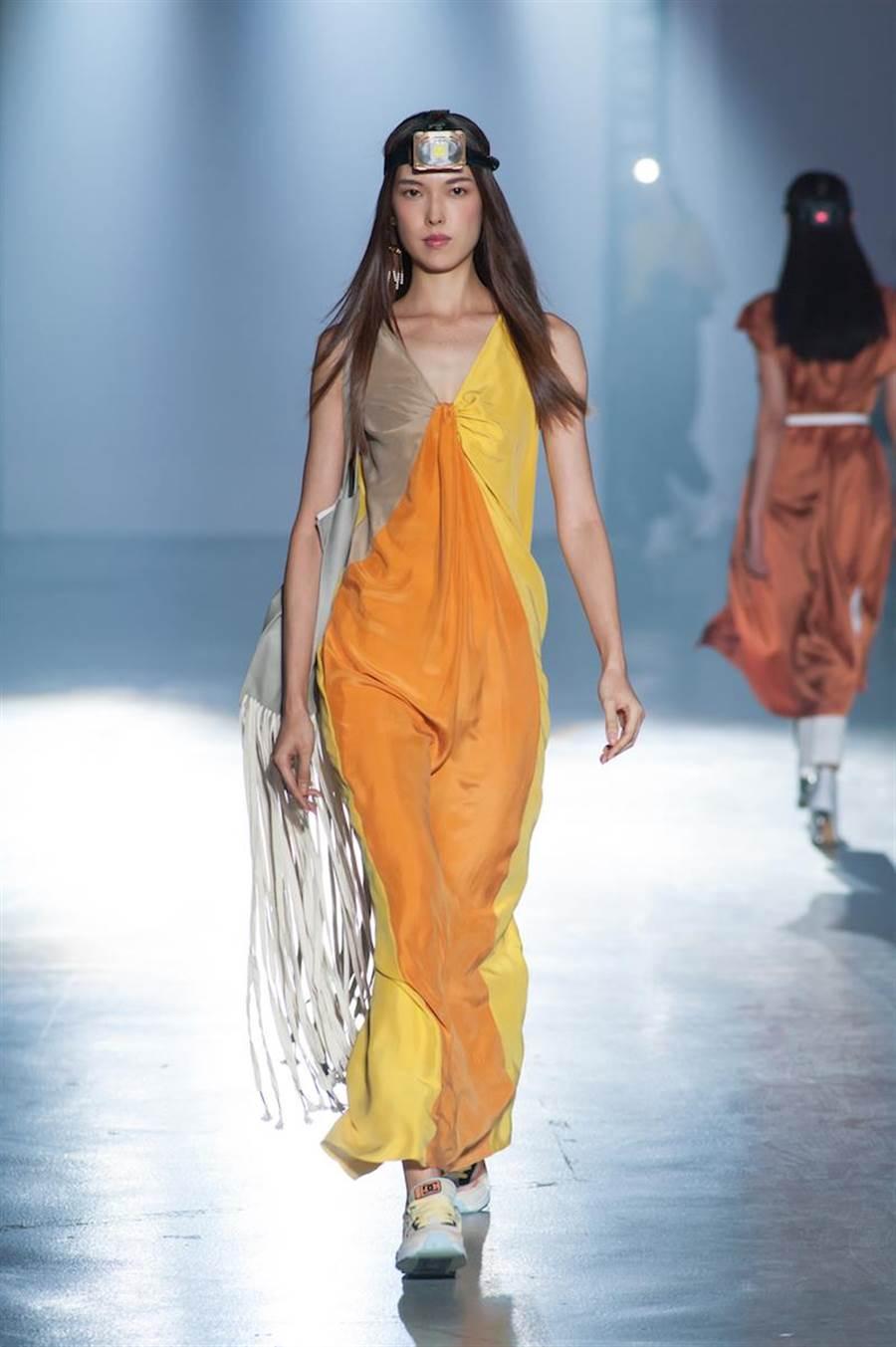 竇騰璜2020春夏有許多高彩度的明亮色塊,將王思偉打造成活力女神 。(伊林提供)