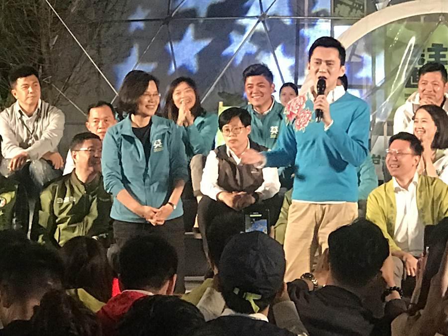 蔡英文喊話:年輕參選人當選,我也一定當選。(曾薏蘋攝)
