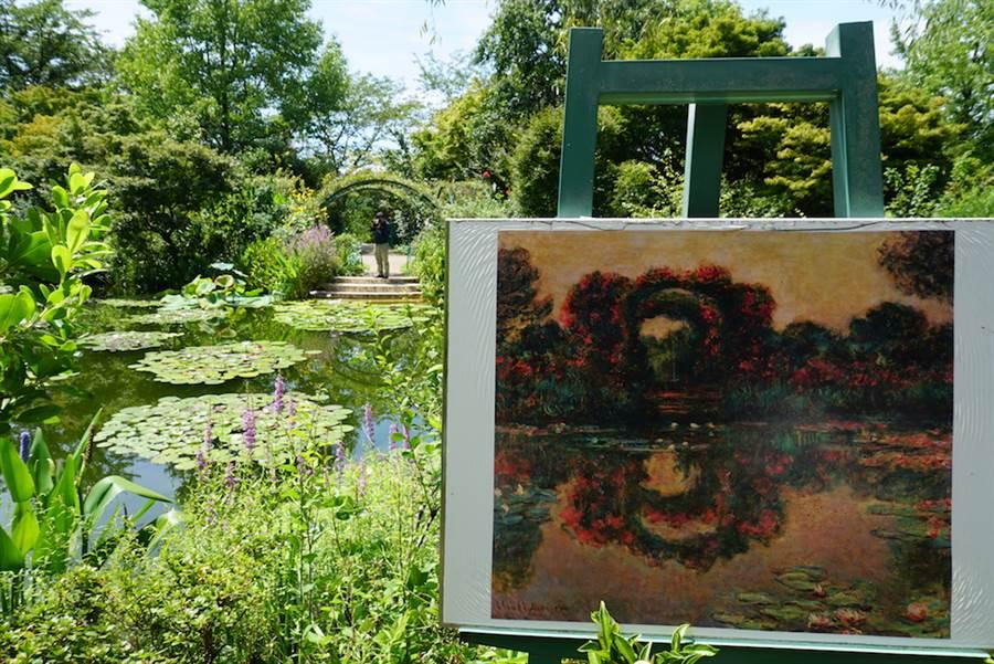 位於日本四國高知縣東部的「北川村莫內庭園馬摩丹」園內陳列著莫內的名畫供遊客比對。(黃菁菁攝於2019年8月)
