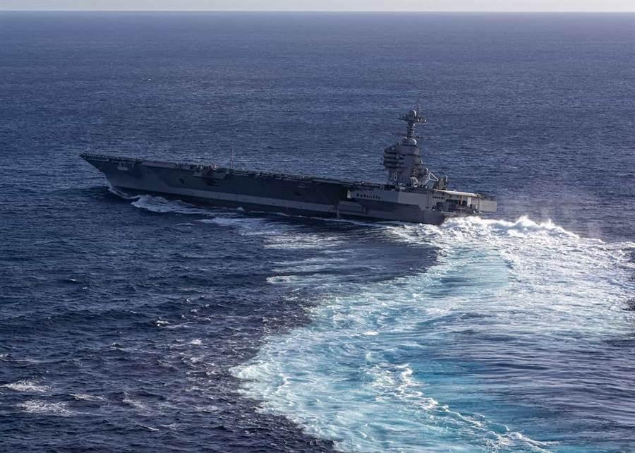 在部署日期不斷延後的風波下,美福特號上周再次進行海試。(圖/美國海軍)