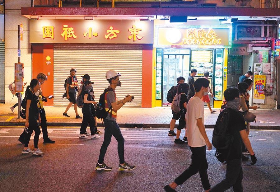 香港灣仔多家餐廳因示威活動被迫提前歇業。(中新社資料照片)