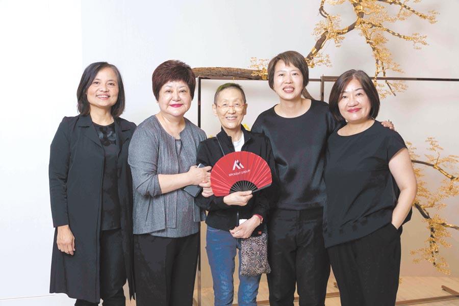 高端布料廠自創品牌Mackent首家店匯集台灣五大服裝設計師,備受業界矚目。圖/Mackent提供