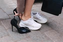 穿新鞋踩3下是陋習?網曝背後由來