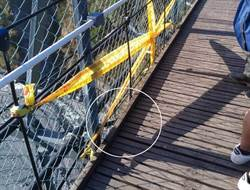 淚奔 奧萬大吊橋面板護欄間隙30公分 男童墜谷母眼見出手拉空