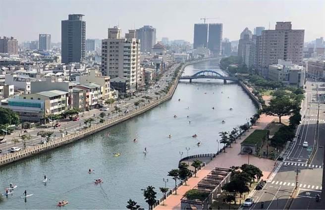 全台獨木舟「船聚」台南運河。(亞果遊艇集團提供/程炳璋台南傳真)