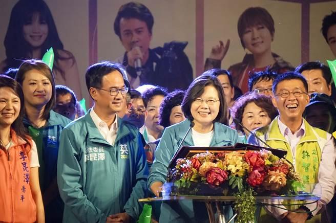 小英再酸韓國瑜:高雄沒市長沒關係