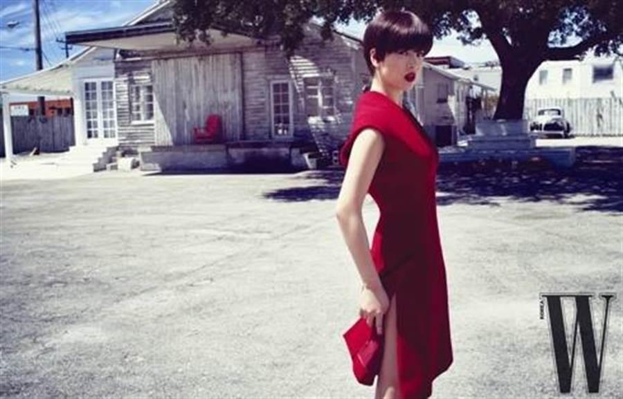 宋慧喬2009年曾為韓國雜誌拍攝時尚封面。(圖/翻攝自韓網)