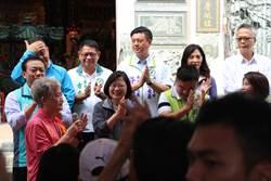屏東拜廟大談護主權 蔡稱她當總統就不用煩惱
