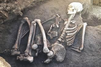 工人跌進上千度火爐 找到已變白骨