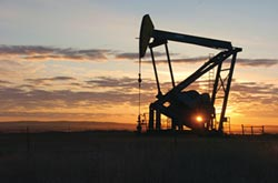 原油需求看衰 OPEC暗示擴大減產