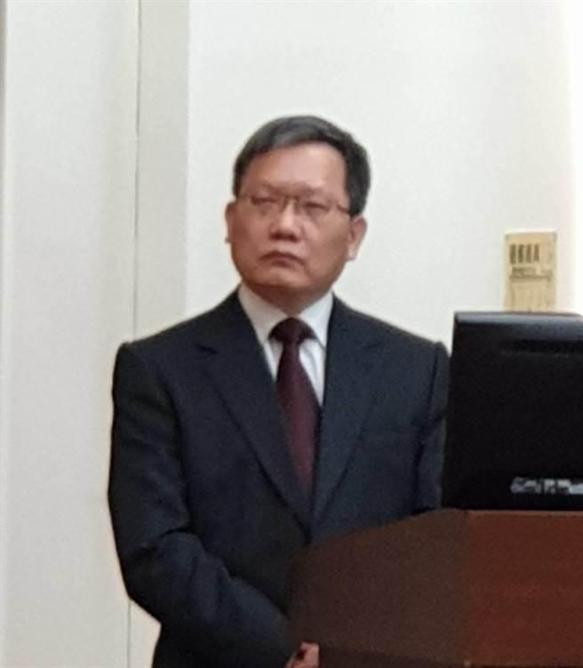 搶救本土汽車零組件產業,財長蘇建榮指出,原則支持調降零組件關稅稅率。(王莫昀攝)