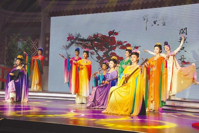 10月19日,饒富古風的國樂演出,為金沙書院奠基開建儀式揭開序幕。(記者洪肇君攝)