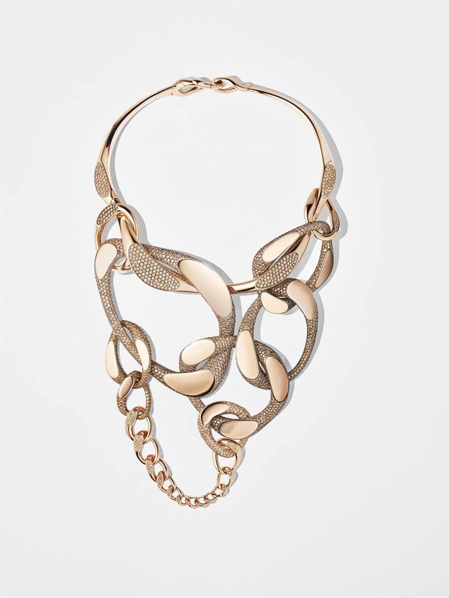 愛馬仕Fusion緞面鈦與玫瑰金鑲褐鑽項鍊,為獨一無二之作,2158萬2900元。(HERMES提供)