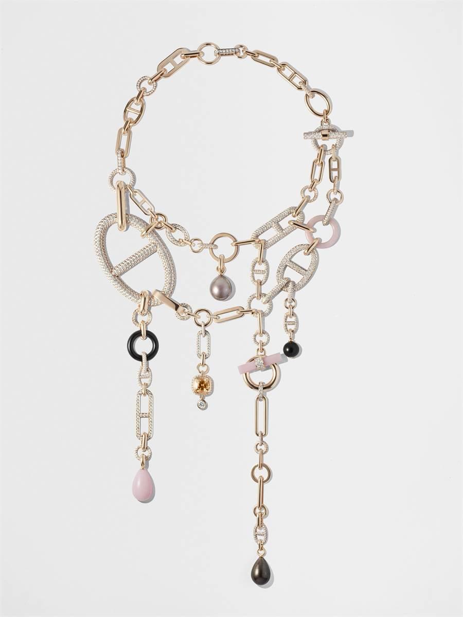 愛馬仕Grand Jete 玫瑰金項鍊,以不對稱手法詮釋隨性自由之美,2700萬1400元。(HERMES提供)