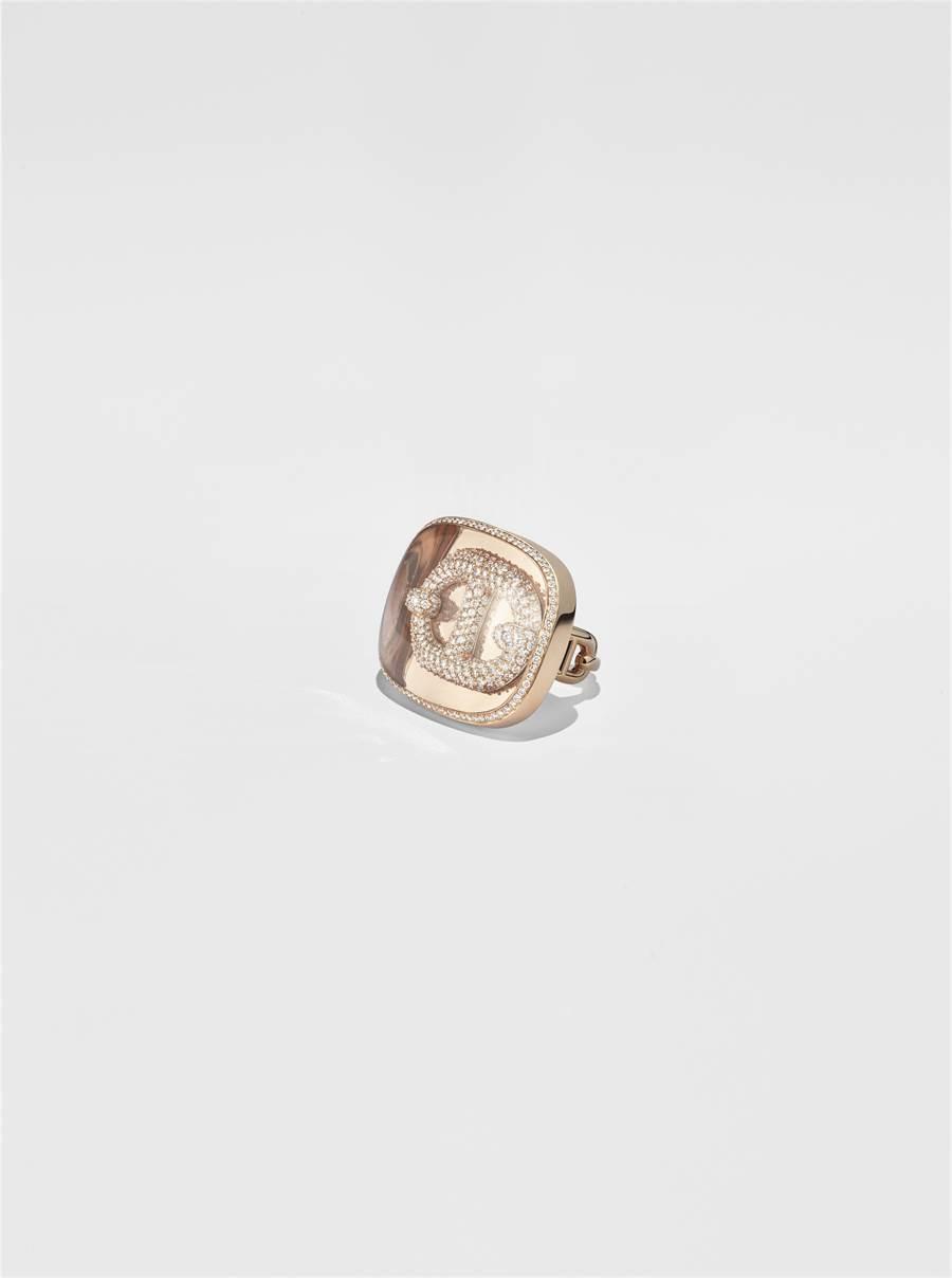 愛馬仕Chaine d'ancre zoom石英與玫瑰金鑲白鑽戒,159萬2200元。(HERMES提供)