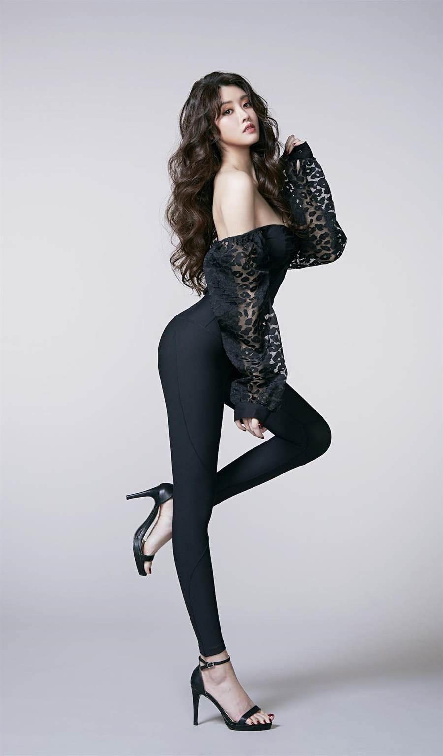 賴琳恩擔任「石墨烯代謝神褲」形象大使。(伊林娛樂提供)