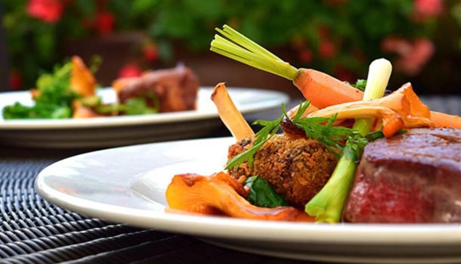 食物中不同的營養成分經過交互作用後,能發揮更好的功效,或是可提高人體對於養分的吸收率。(圖/pixabay)