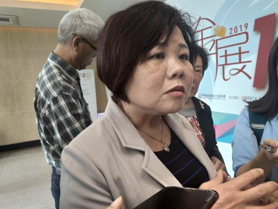 勞動部長許銘春今天表示,最低工資法已經經行政院審查。(林良齊攝)