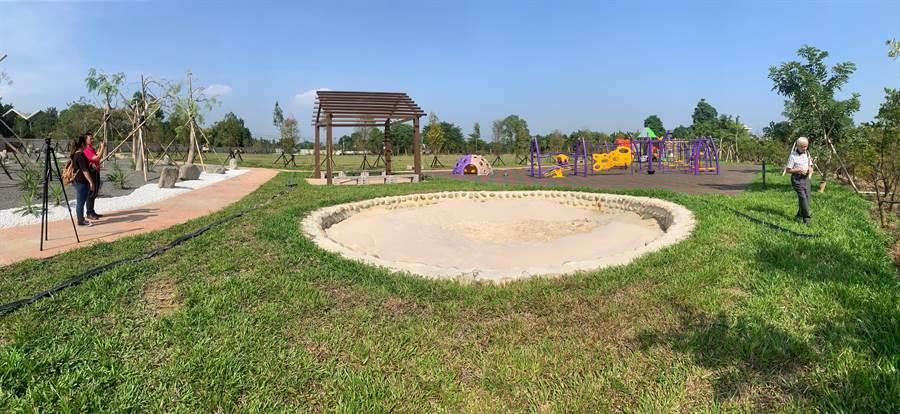南投縣政府在「豬樂園」旁,打造全新的親子公園。(廖志晃攝)