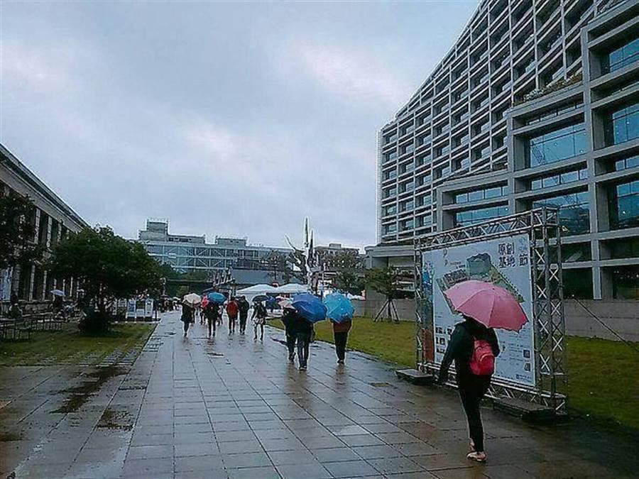周四轉濕涼!東北局部大雨,周末有感降溫跌到17度。(資料照 林宜靜攝)
