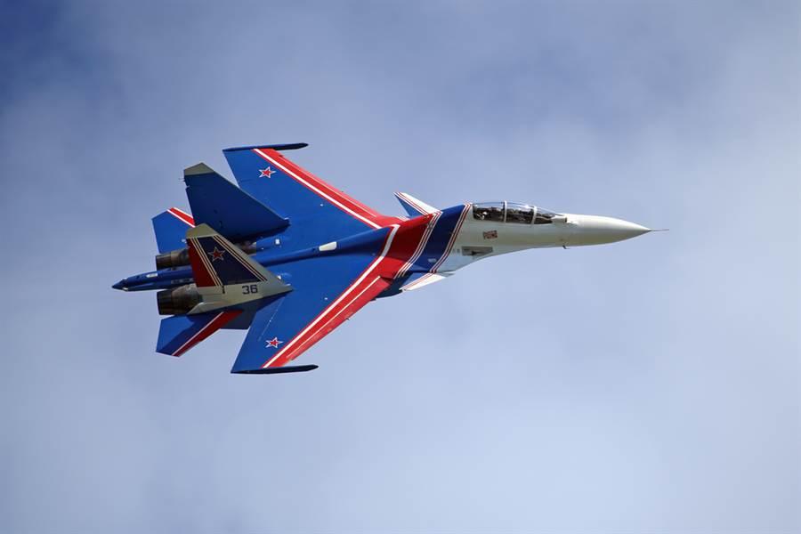 俄羅斯騎士的單機表演也相當有看頭。(圖/shutterstock)