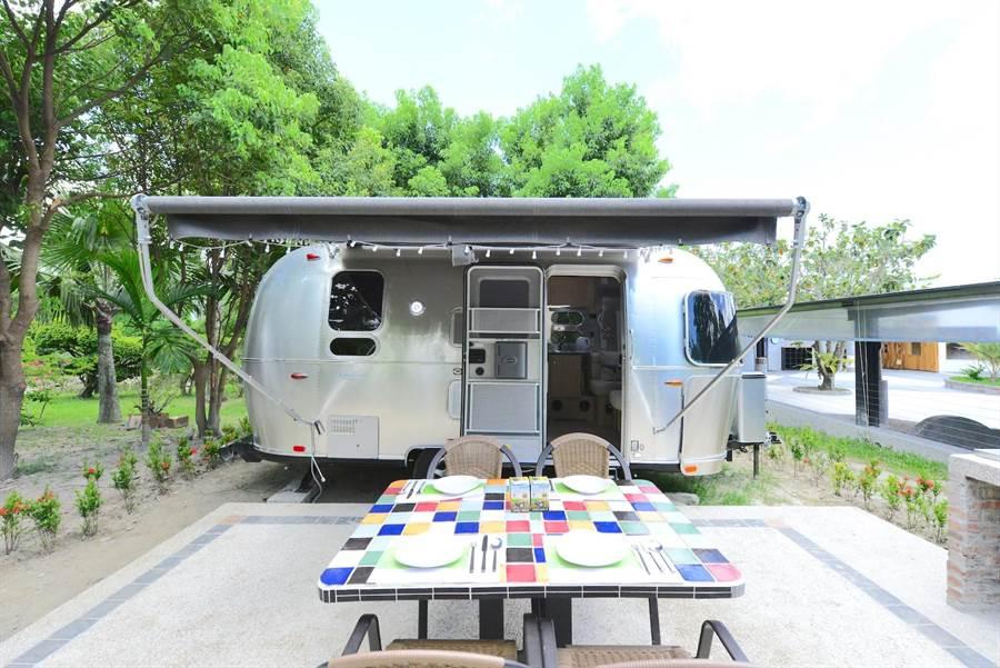 2張「日暉集團聯合住宿券」也可使用在「日暉國際渡假村」的美國頂級露營車品牌「AIRSTREAM」住宿1晚。(日暉集團提供)