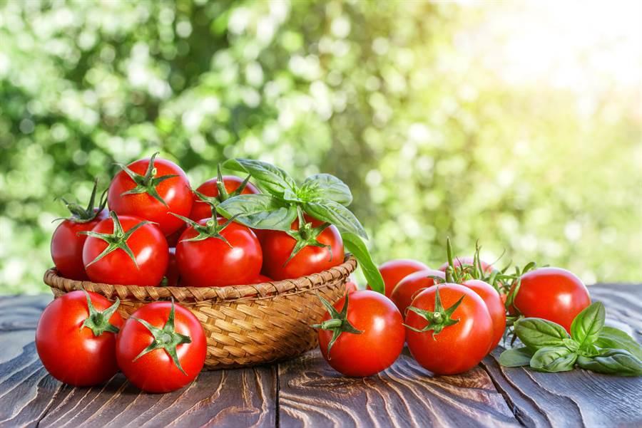 番茄愈紅茄紅素愈多?日本營養學權威揭挑選的2秘訣。(圖/達志影像)