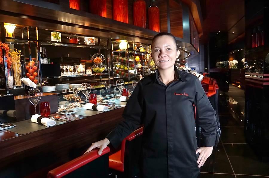 佛羅倫斯.達莉亞(Florence Dalia)正式接掌台北〈侯布雄法式餐廳〉主廚,是全球侯布雄系列餐廳的第一位女性大廚。(圖/姚舜)