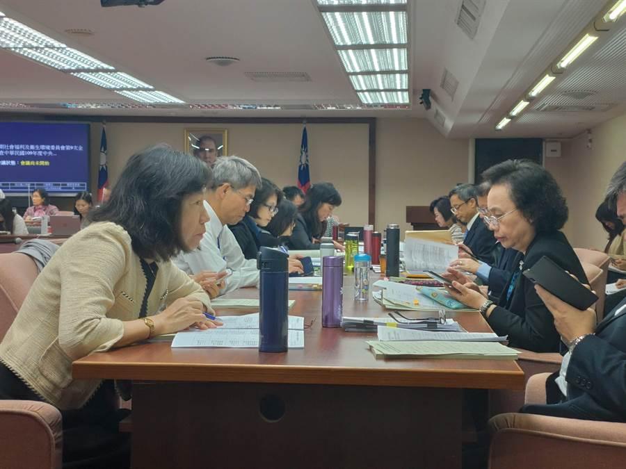 立法院社會福利及衛生環境委員會今天審議勞動部公務預算。(林良齊攝)