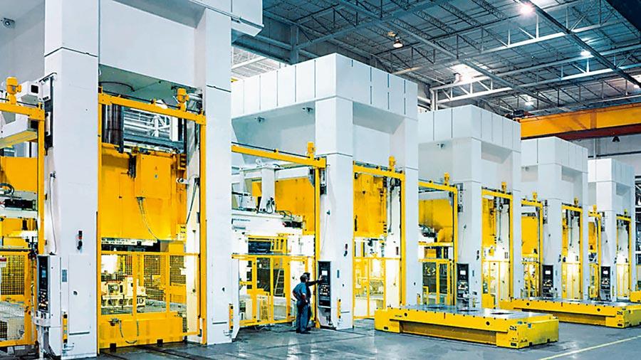 知名沖床設備製造商選擇安全控制系統PNOZmulti,提升設備安全。圖/業者提供
