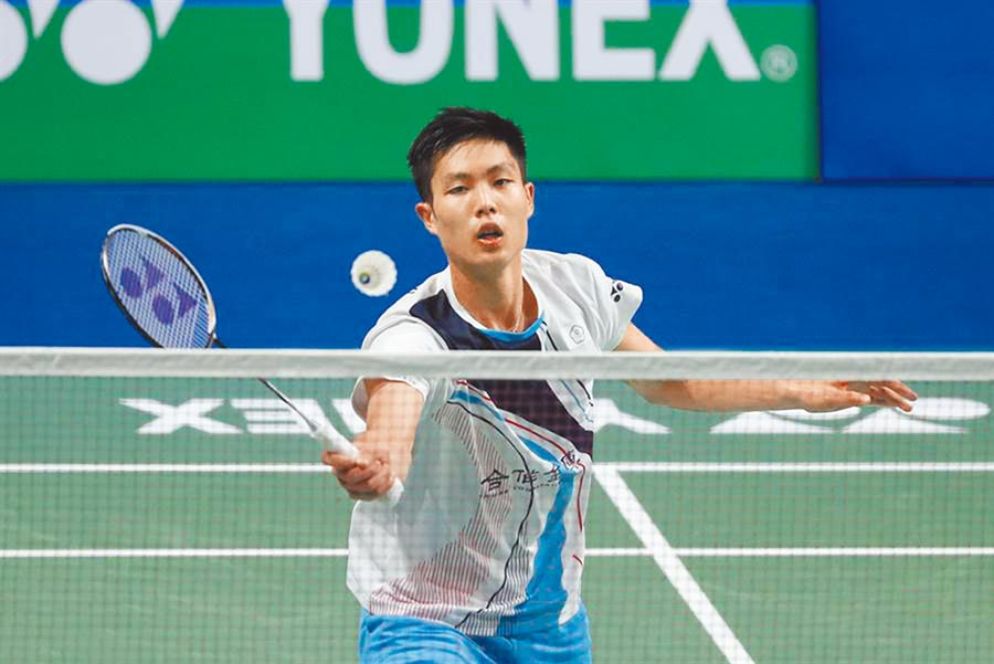 福州羽球公開賽,周天成21比19、21比17擊退王子維。(美聯社資料照片)