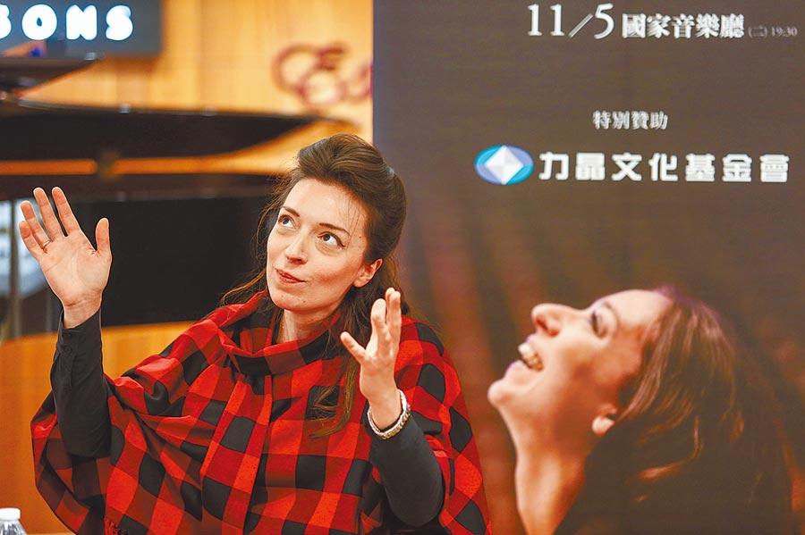 蕭邦鋼琴大賽首獎得主阿芙蒂耶娃來台,想學打麻將,但強調不要電玩版。(鄧博仁攝)