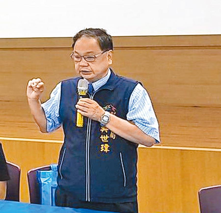 台中市民政局長吳世瑋6日表示,大雅納骨塔規畫新增1100骨灰櫃位預計年底才能完成,為便利民眾,暫厝是「不得已」的措施。(盧金足攝)