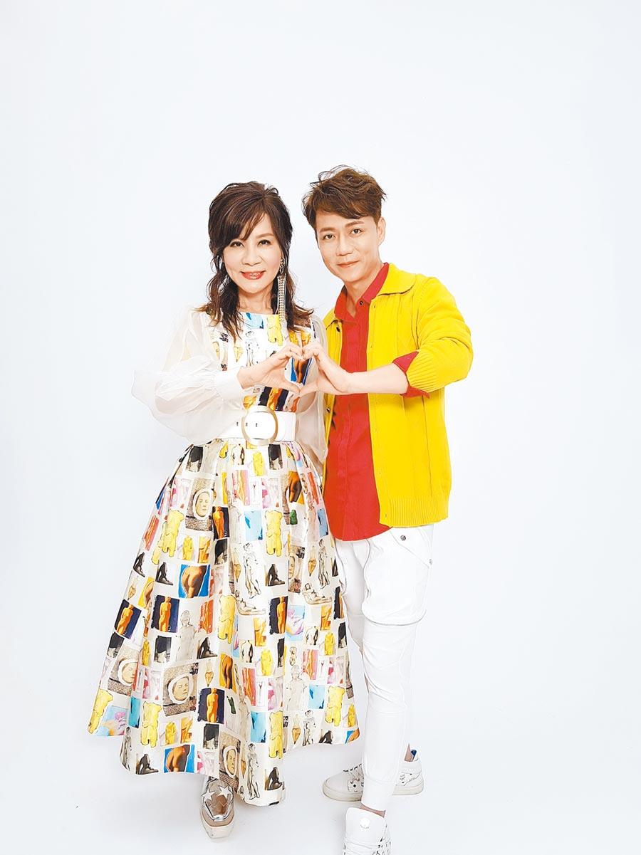 龍千玉(左)與陳隨意對唱,日前拍攝新歌MV。(豪記唱片提供)